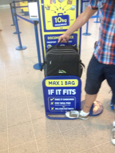 Cabin Max Berlin Ryanair approved hand luggage